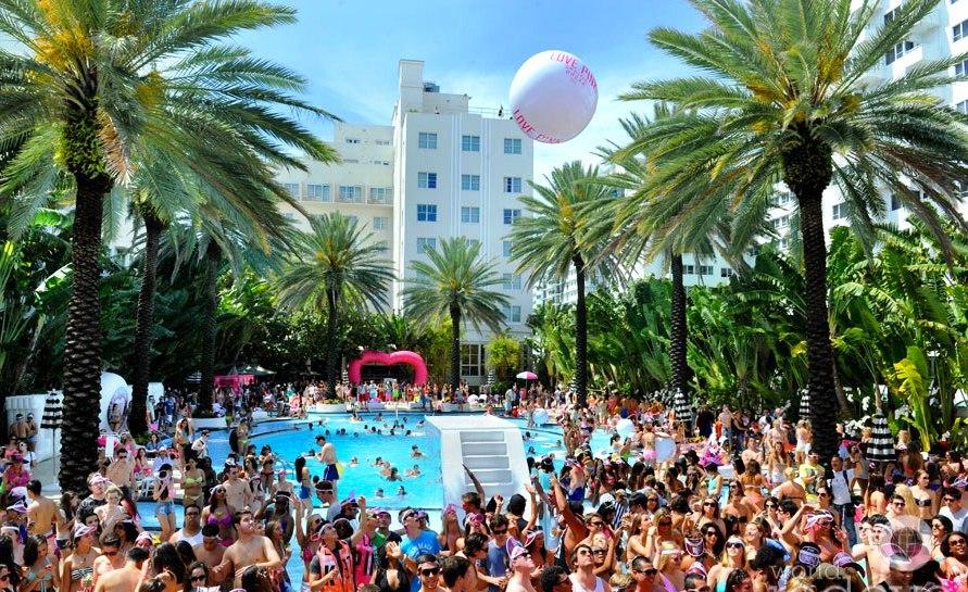 pool-party-miami-south-beach