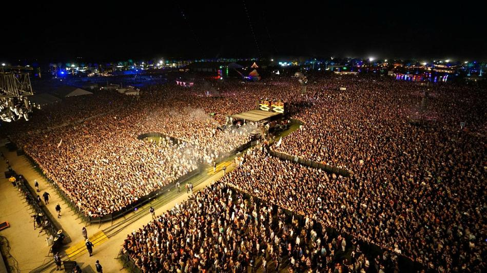 coachella-kaskade-crowd2